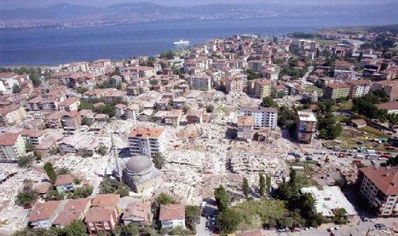 """İZODER: """"17 Ağustos Depreminden 15 Yıl Sonra Bile Depreme Hazırlıklı Değiliz"""""""